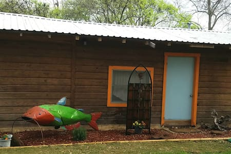 The Catfish Cabin on Lake Buchanan - Burnet - Srub