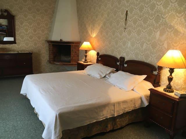 Amplia y acogedora habitación con terraza