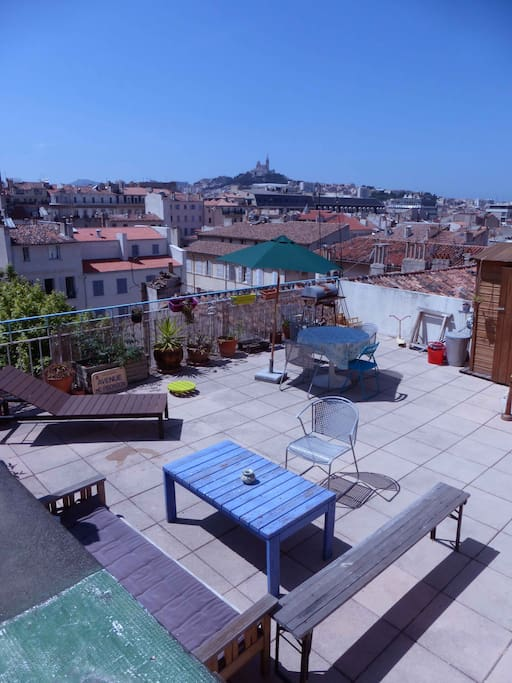 Appartement terrasse vue imprenable sur marseille for Location appartement marseille terrasse