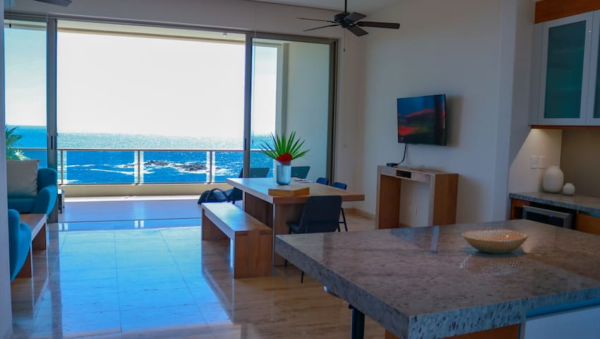 2 bedroom ocean view, pools, beach access, Cosmo