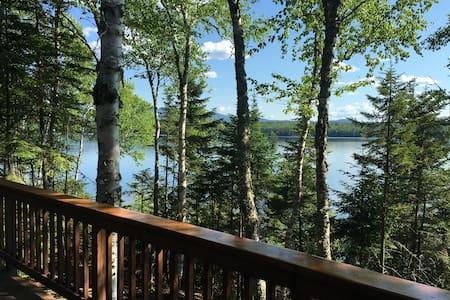 Lakefront Mooselookmeguntic Cabin, Rangeley Plt.