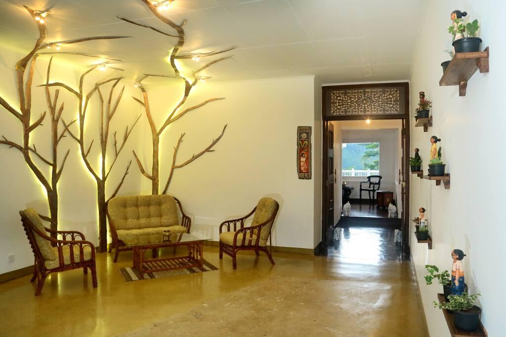 Entrance to Villa Mahakanda