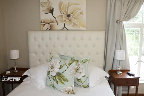 The Magnolia Room - Panorama Guest House KWT