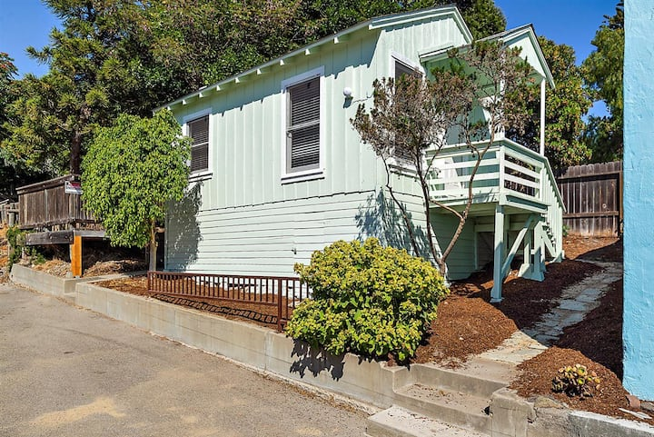 Avila Beach Bungalow 358