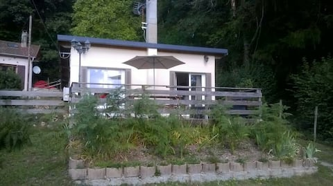 Agréable maisonnette à 200m du lac des Settons