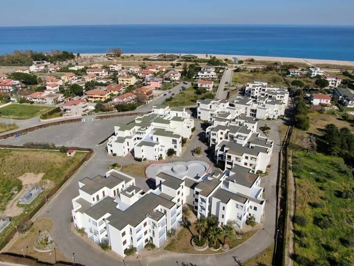 Apartments, 2 min from sea, Calabria, Isca Marina