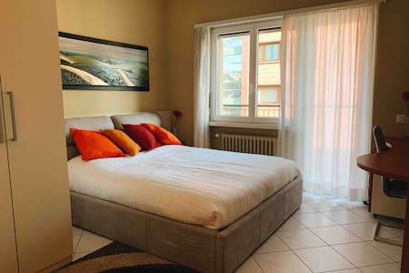 3.5 APT DOWNTOWN 50 METERS FROM THE LAKE!