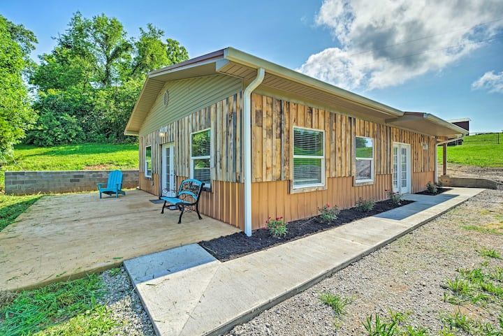 NEW! Charming Cabin on 140-Acre Farm, Walk to Lake