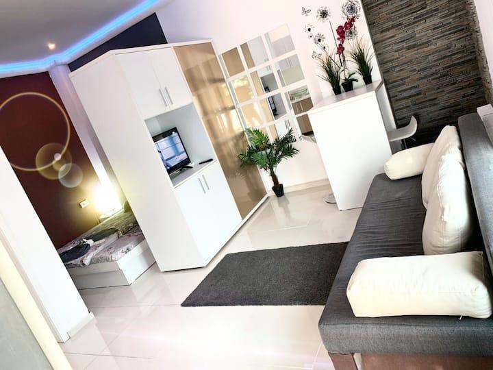 The Sea B. Studio with Terrace
