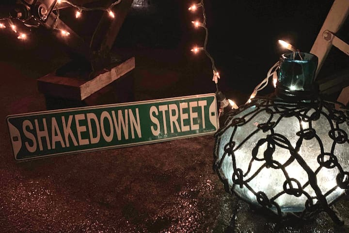 SaLtY SoULs Turn SWEET on Shakedown Street!