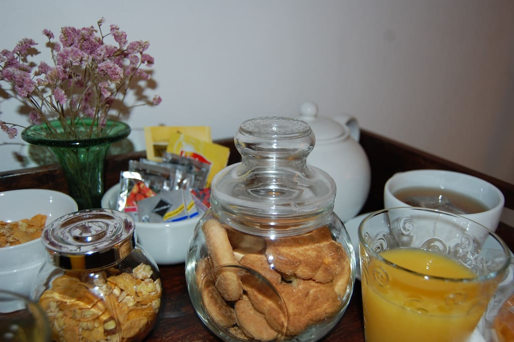 For your confort you have breakfast in the room !
