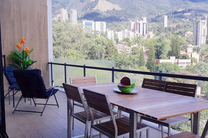 Energy Living El Poblado, SUPER Balcony Suite.