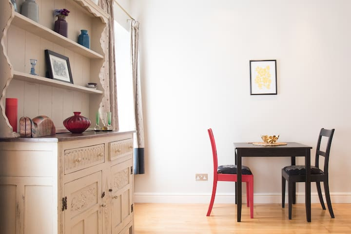 Bright & Spacious 1-bed Apartment, Central Cardiff - Cardiff - Appartement