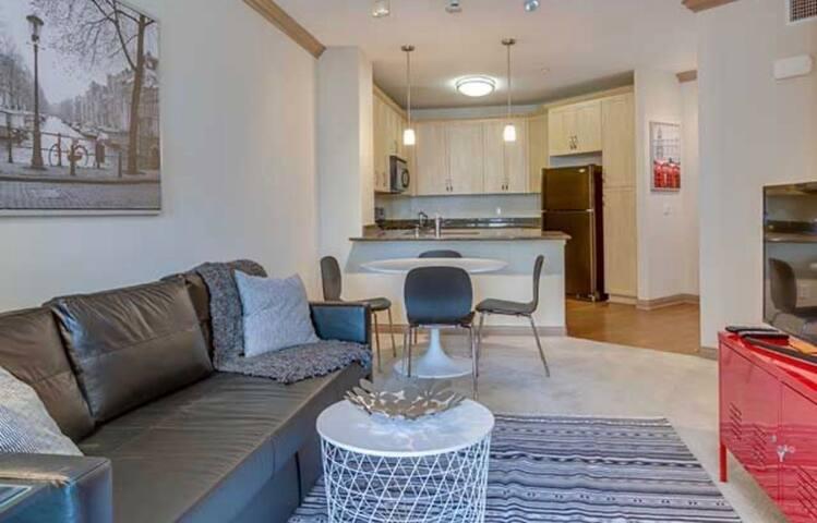 Cozy irvine apartment