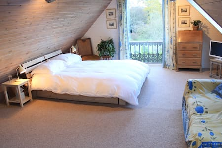 Brook Barn B&B Double Room - Graffham