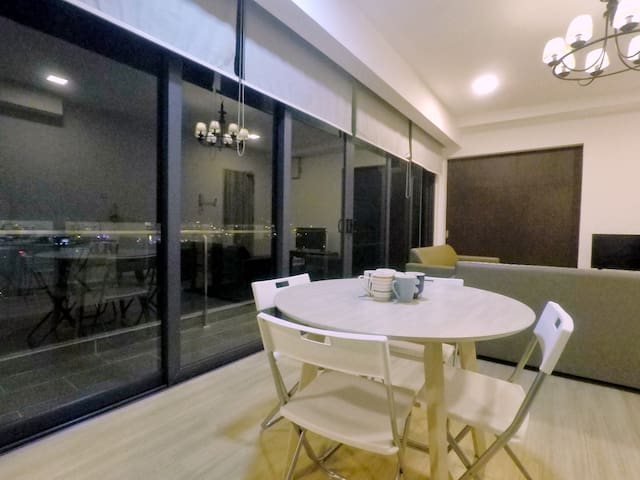 ★ 13F Relax Homestay @ Cube8Teen, Mount Austin ★