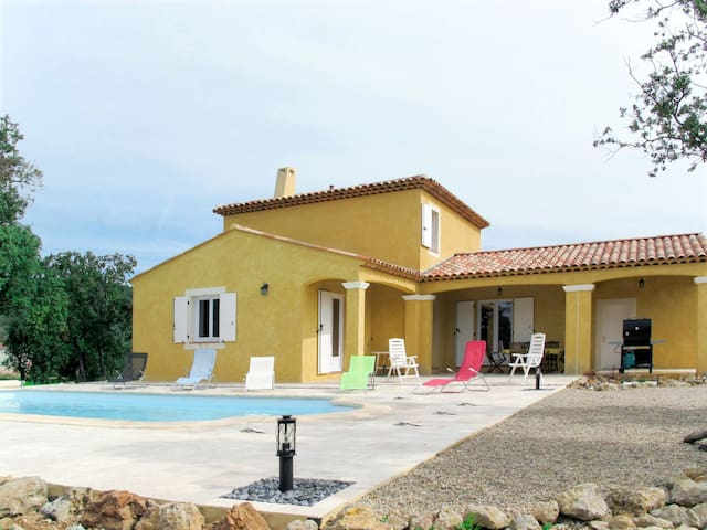 110 m² holiday house for 6 persons in Lorgues