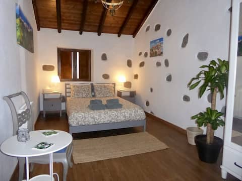 Charming cottage with mountain views, Teror