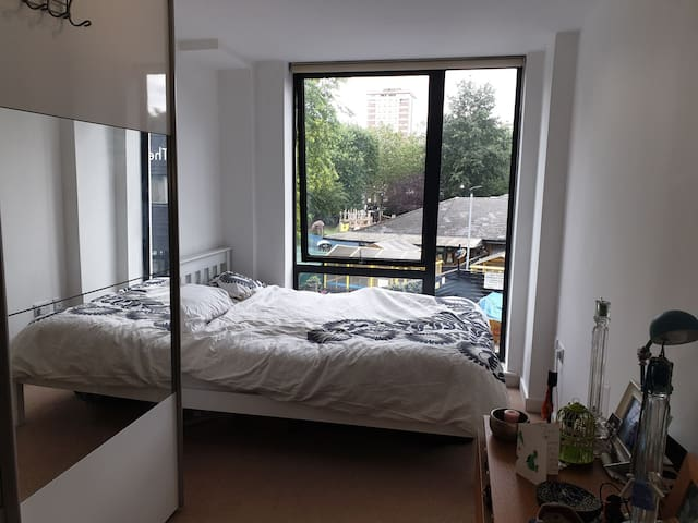 Ensuite Room - London Fields
