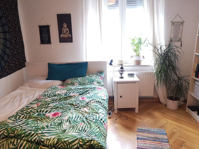 Süße Wohnung  / cozy flat in the city center