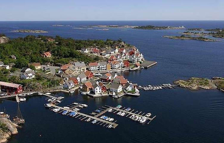 Gjevingpynten 6b - at Lyngørfjorden - Tvedestrand - Byt