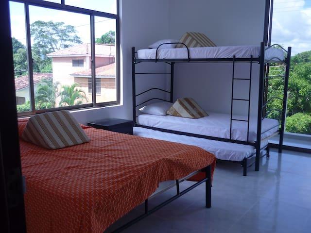 Apartamentos de descanso en Melgar - Melgar - House