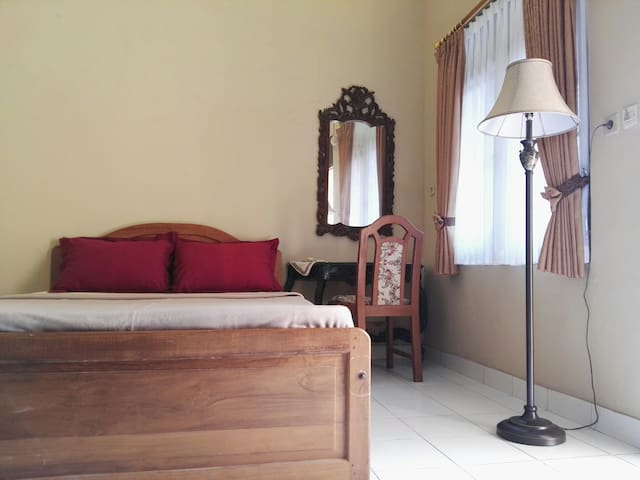 HELMY`S HOUSE 3, near yogya palace & city center