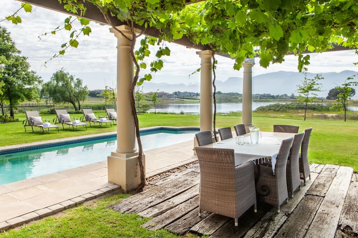 Stunning, Secure & Spacious Villa - Cape Winelands