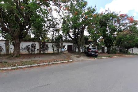 Casa colonial em área nobre da região dos lagos