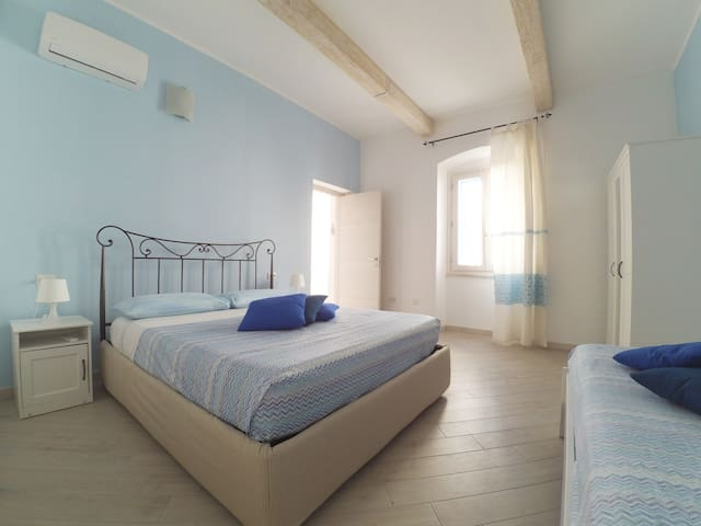 BEACH HOLIDAY HOUSE IN THE OLD TOWN -Il Chiostrino