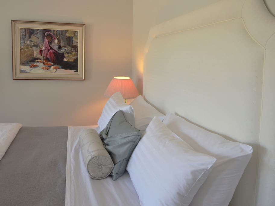 Artwork & Bedding