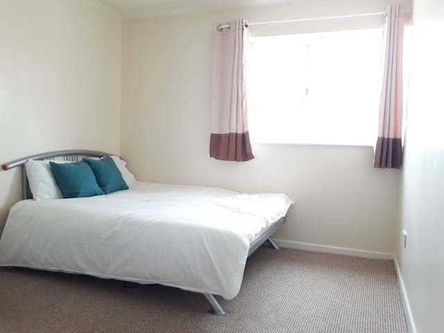 Double bedroom very close to City Centre