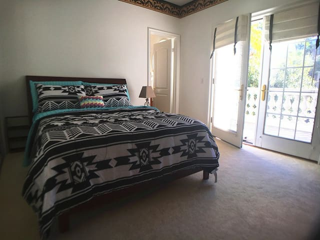 Great Room!Clean!Private Room Bath& Balcony 可讲中文 - West Covina - Villa