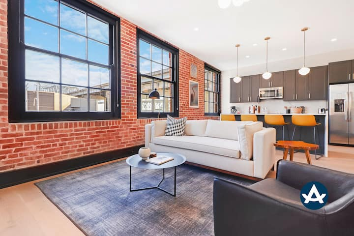 Sextant | The Lola | 3 Bed 2 Bath #213 | 5 min drive to Bourbon St