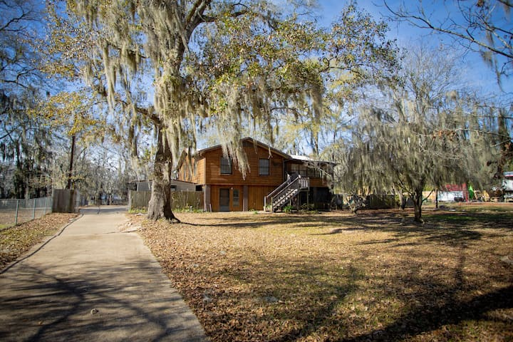 Pine Island Paradise 3/2 on Caddo Lake