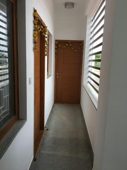 rent apartment entrance floor