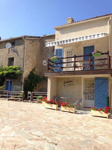 A.Casetta maison de village Centre Corse