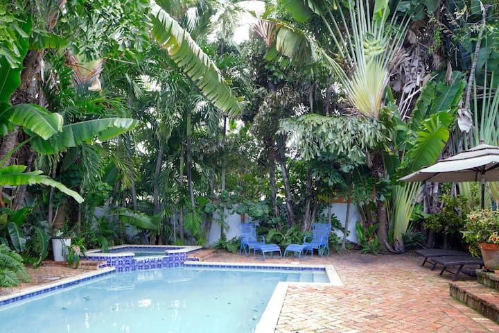 Enjoy the pool and and hot tub, plenty of comfy seating and lounge areas.