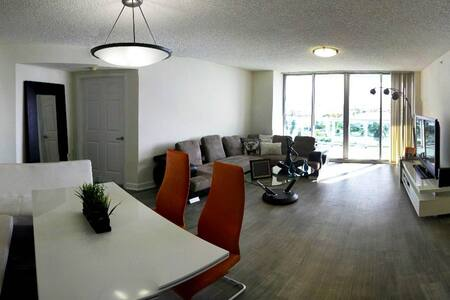 2 Bedroom Furnished Apartment in Miami Beach - Miami Beach