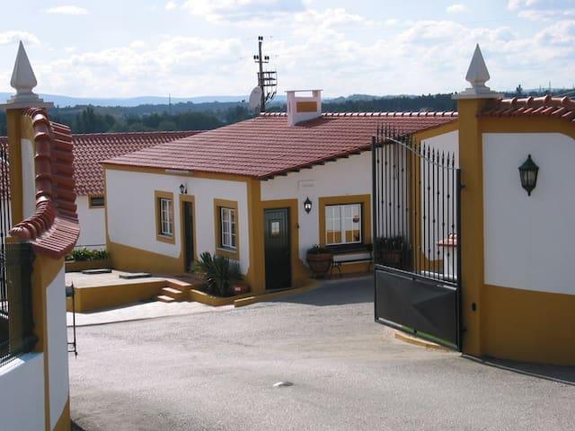 """Quinta do Falcao- Quarto """"Cavaleiro"""""""