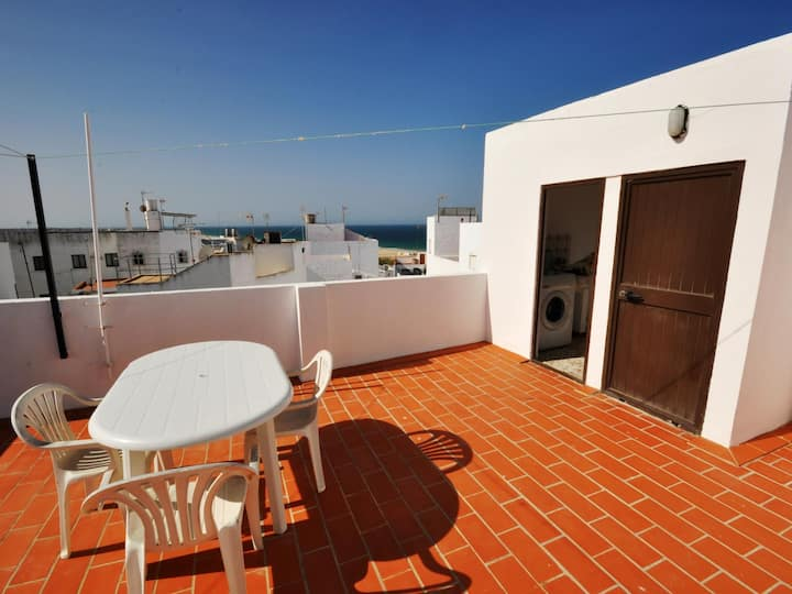 Apartment near the sea with barbecue II