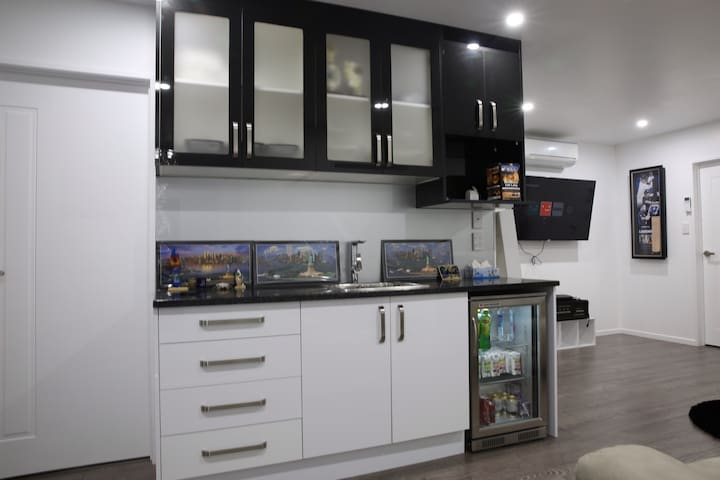Otara 2018 With Photos Top 20 Places To Stay In Holiday Als Homes Airbnb Auckland New Zealand