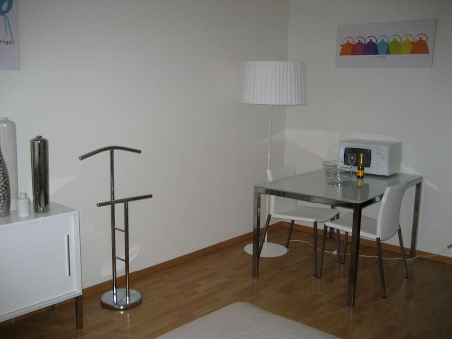 Studio meubl avec place de parc appartements louer for Meubles lausanne