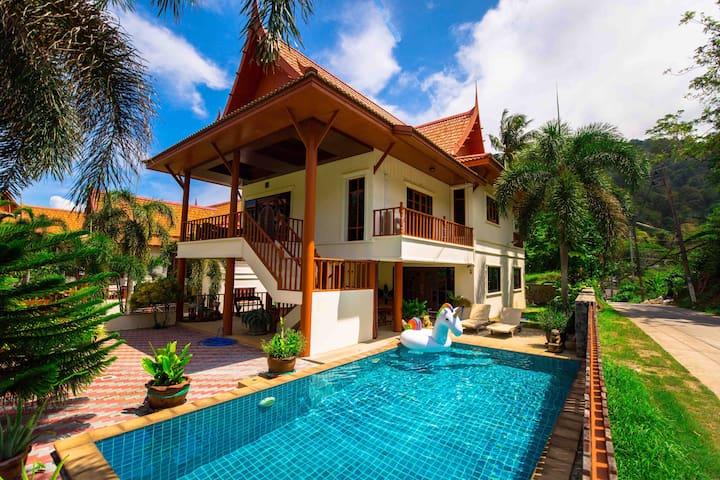 Kata Thai style 2 bedrooms pool villa
