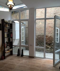 Charming Private House in Old Tbilisi - 第比利斯 - 独立屋