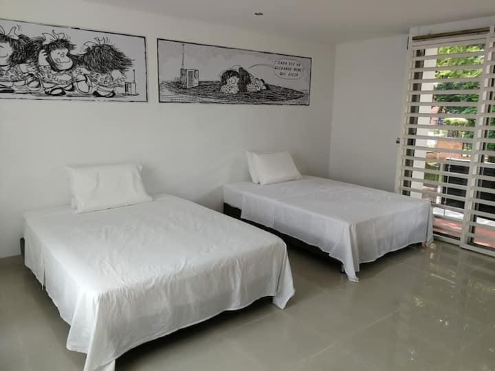 Habitación con Cama y Baño Privado