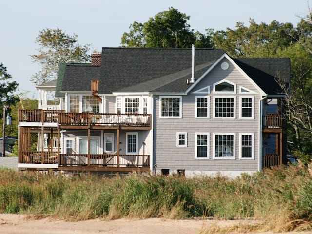 Chesapeake Haven:  Your Sanctuary on the Bay