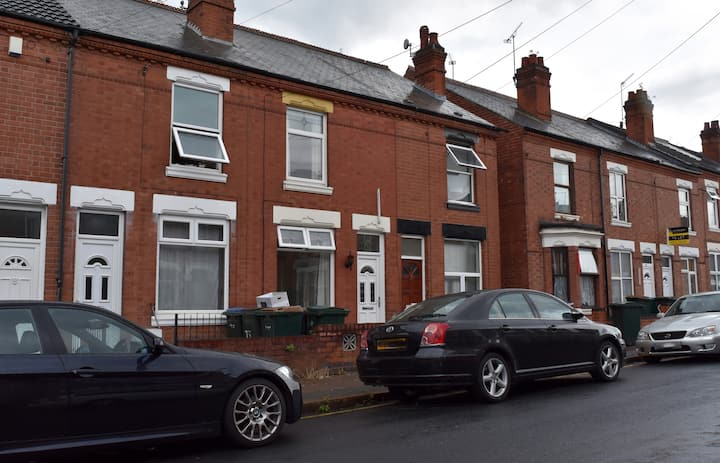2 bedroom house in Quiet Road near City Centre