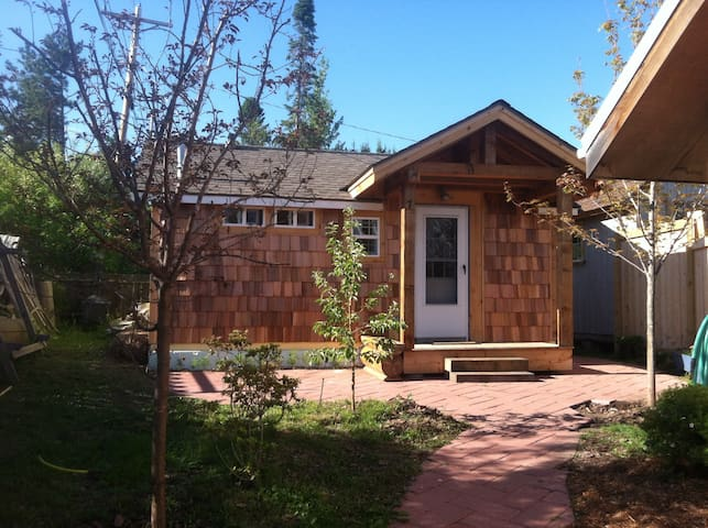 The Writer's Cabin - Grand Marais - Cabaña