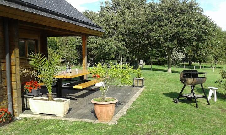 Carnac maison bois massif jardin clos dans village